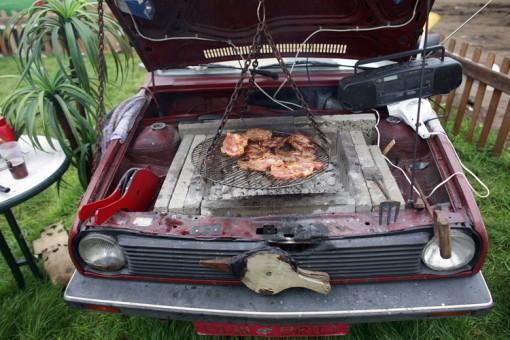 Auto mit Grill